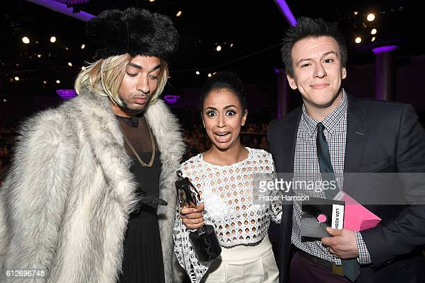 Internet personalities Joanne The Scammer Liza Koshy and Philip DeFranco pose with the Breakout Creator award during the 6th annual Streamy Awards...