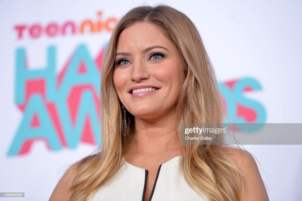 Internet personality iJustine arrives at the 5th Annual TeenNick HALO Awards at Hollywood Palladium on November 17, 2013 in Hollywood, California.