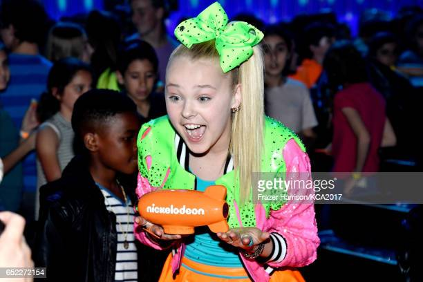 Internet personality JoJo Siwa wins Favorite Viral Music Artist at Nickelodeon's 2017 Kids' Choice Awards at USC Galen Center on March 11 2017 in Los...