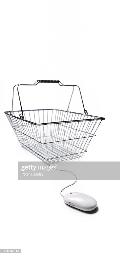 Internet shopping basket : Stock Photo