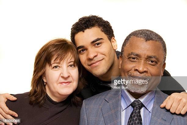 Interracial en famille père, mère et fils