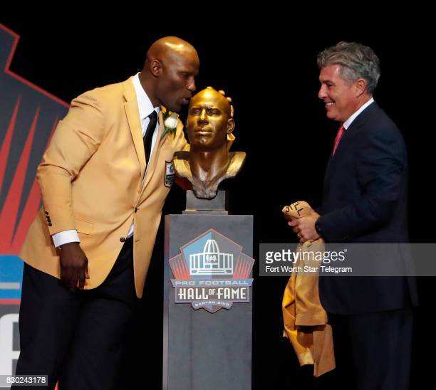 Introduced by his agent Neil Schwartz Terrell Davis kisses his Hall of Fame bust The 2017 NFL Hall of Fame class including Dallas Cowboys owner Jerry...