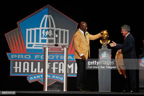 Introduced by his agent Neil Schwartz Terrell Davis pats his Hall of Fame bust The 2017 NFL Hall of Fame class including Dallas Cowboys owner Jerry...