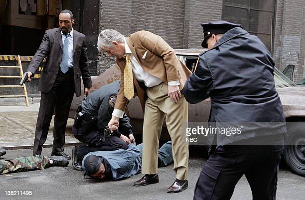 LAW ORDER 'Invaders' Episode 22 Airdate 5/17/06 Pictured Jesse L Martin as Detective Ed Green Shawn Andrew as Ricky Robinson and Dennis Farina as Det...