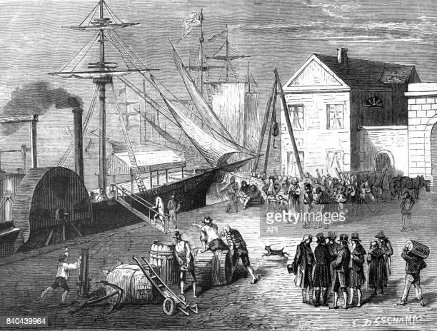 L'inventeur américain Robert Fulton montant sur son bateau le 'Clermont' pour inaugurer la première ligne commerciale à vapeur reliant New York à...