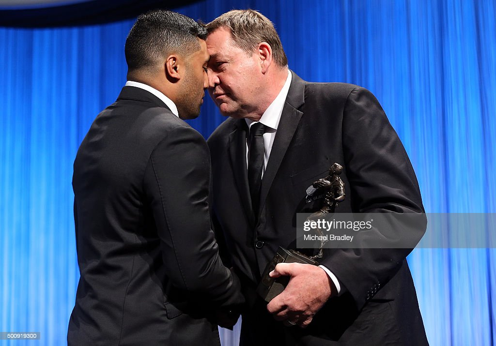 Investec Super Rugby Player of the Year Lima Sopoaga recieves his award from All Black Coach Steve Hansen during the 2015 Steinlager Awards on December 11, 2015 in Auckland, New Zealand.