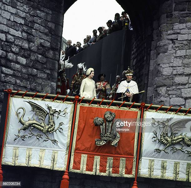 Investiture Ceremony of the Prince of Wales at Caernarfon Castle Her Majesty Queen Elizabeth II presents her son Prince Charles to the People of...