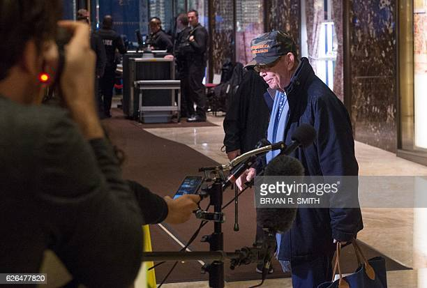 Investor Wilbur Ross Jr speaks to the media at Trump Tower after meetings with Presidentelect Donald Trump November 29 2016 in New York / AFP / Bryan...