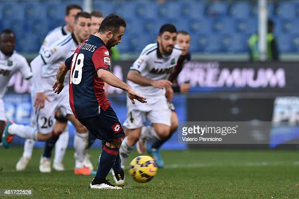 Ioannis Fetfatzidis of Genoa CFC scores the equalising goal from the penalty spot during the Serie A match between Genoa CFC and US Sassuolo Calcio...