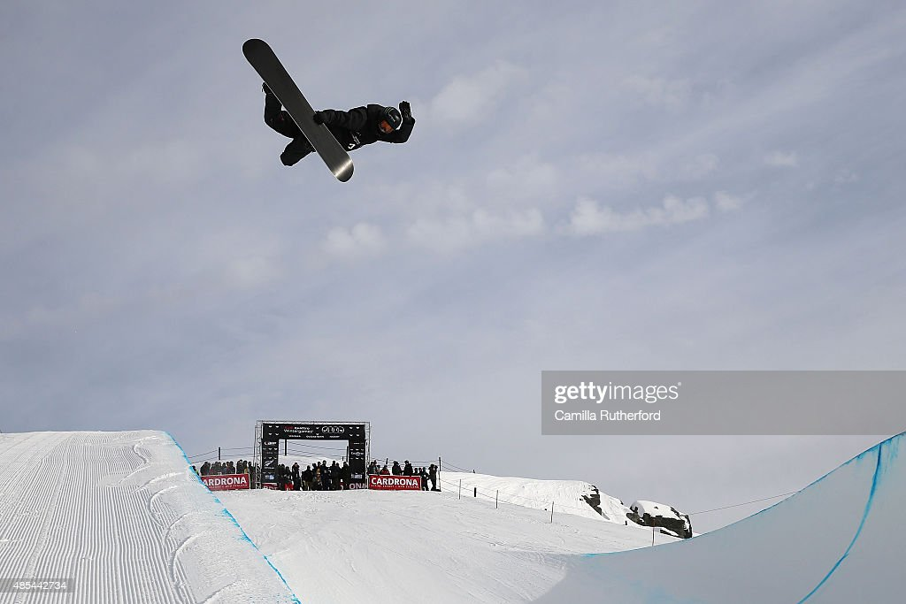 Iouri Podladtchikov of Switzerland competes in the FIS Snowboard World Cup Halfpipe Qualification during the Winter Games NZ at Cardrona Alpine Resort on August 28, 2015 in Wanaka, New Zealand.