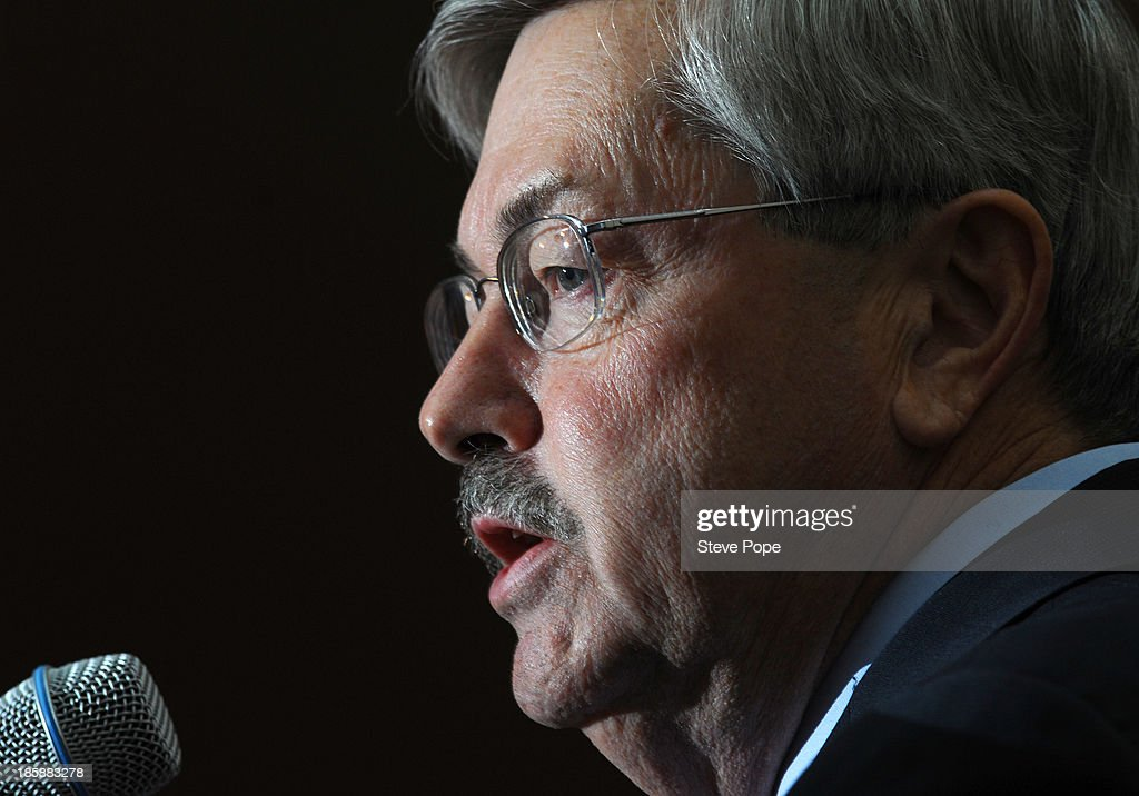 Iowa Gov. <a gi-track='captionPersonalityLinkClicked' href=/galleries/search?phrase=Terry+Branstad&family=editorial&specificpeople=985886 ng-click='$event.stopPropagation()'>Terry Branstad</a> speaks at the annual Ronald Reagan Commemorative Dinner on, October 25, 2013 in Des Moines, Iowa. U.S. Sen. Ted Cruz (R-TX) was the keynote speaker.