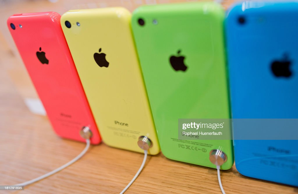 i-Phone 5c's in different colors are displayed as sales start for the i-phone 5c and 5s at the Apple Store on September 20, 2013 in Berlin, Germany.