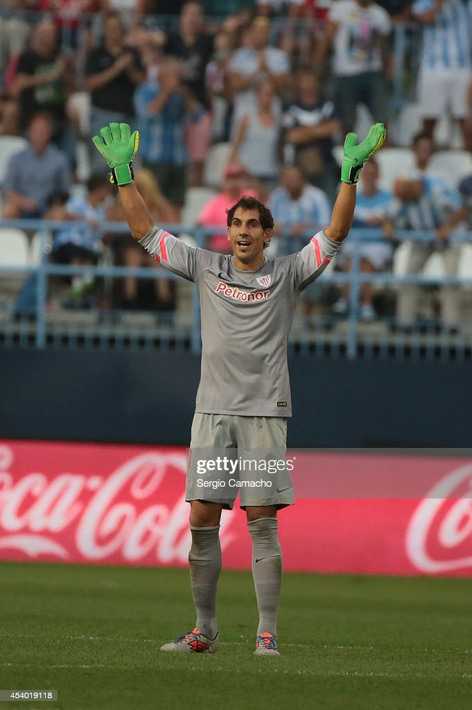 Ê Iraizoz of Athletic Club Bilbao reacts during the La Liga match between Malaga CF and Athletic Club Bilbao at La Rosaleda Stadium on August 23, 2014 in Malaga, Spain.Ê