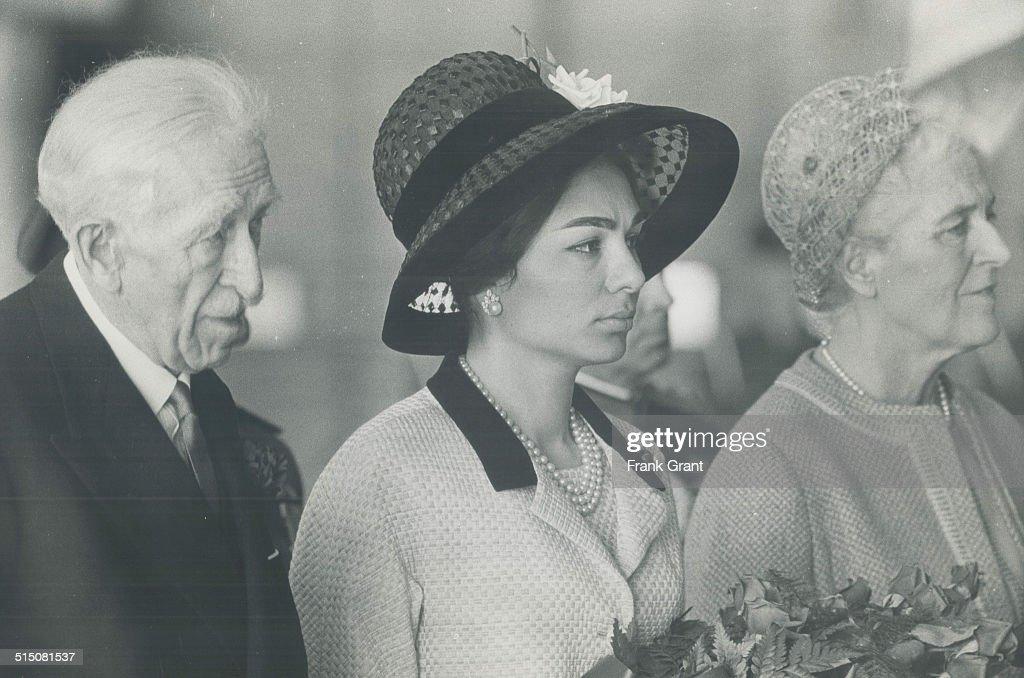 Iran - Royal Family - Queen Farah
