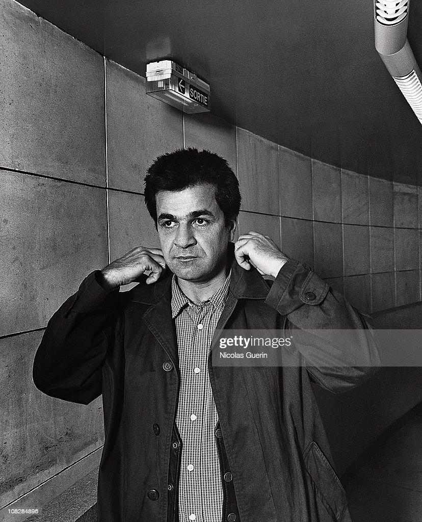 Iranian filmmaker <a gi-track='captionPersonalityLinkClicked' href=/galleries/search?phrase=Jafar+Panahi&family=editorial&specificpeople=621874 ng-click='$event.stopPropagation()'>Jafar Panahi</a> poses at a portrait session in March, 2005 in Paris. Unpublished image.