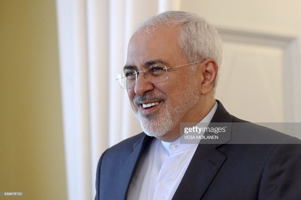 Iran's Foreign Minister Mohammad Javad Zarif smiles during a meeting with his Finnish counterpart in Helsinki on May 31, 2016. / AFP / Lehtikuva / Vesa Moilanen / Finland OUT