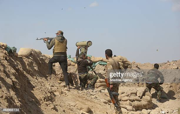 Iraqi Army and volunteer fighters launch an operation in Saladin Governorate against Daesh on March 2 2015