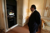 Iraqi Foreign Minister Hoshyar Zebari in his hotel the day hen Saddam Husseun was sentnenced to death in Paris France on November 05 2006