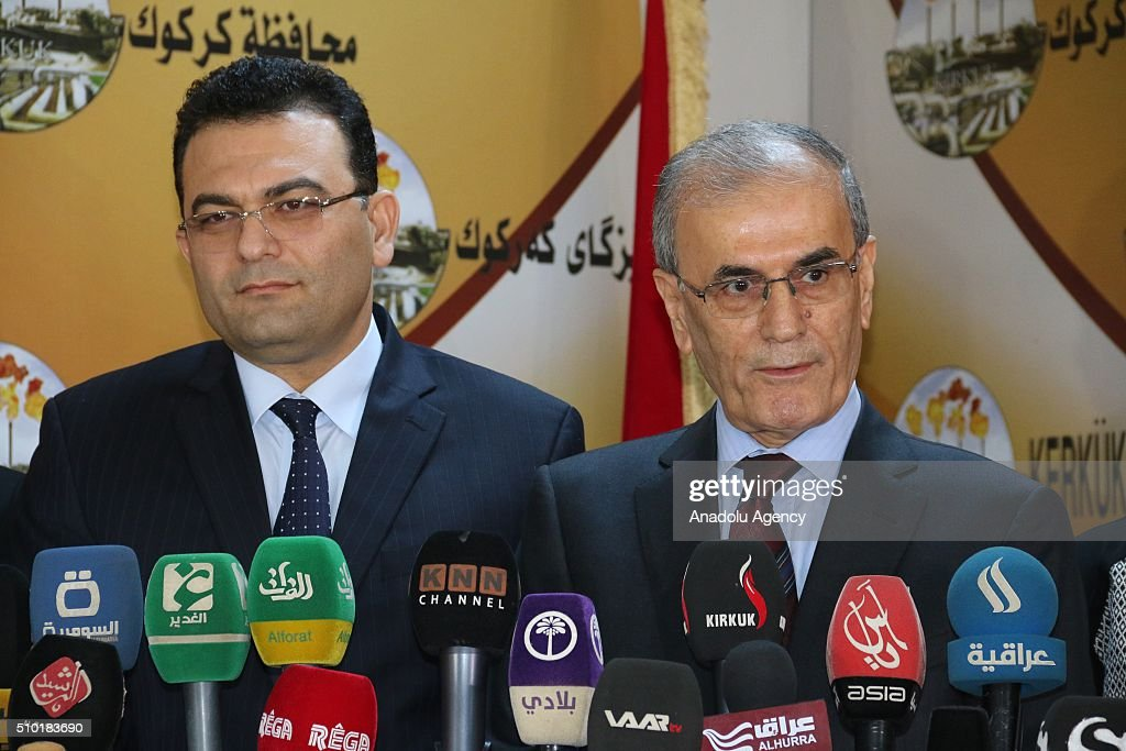 Iraqi minister for Immigration and Immigrants Derbaz Mohammed (L) and Governor of Kirkuk Najmaldin Karim (R) hold a joint press conference following their meeting in Kirkuk, Iraq on February 14, 2016.