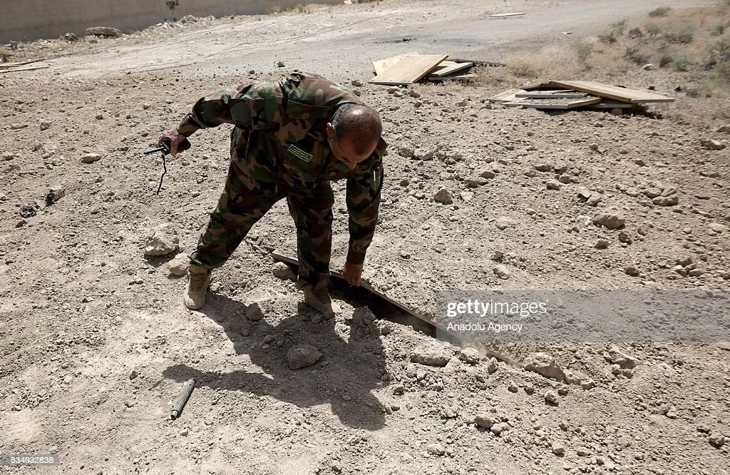 Iraqi security forces' conduct an operation to regain the city from Daesh terrorists inside the tunnels, dug by Daesh terrorist, in Fellujah, Iraq on May 28, 2016.