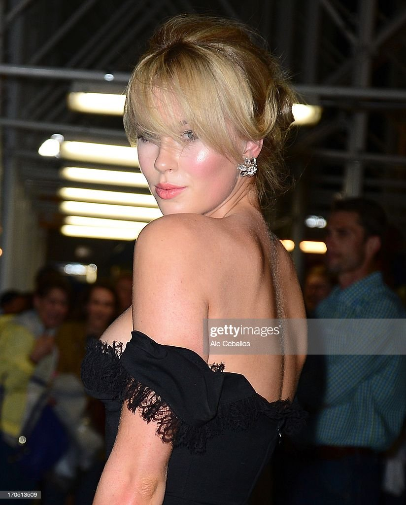 <a gi-track='captionPersonalityLinkClicked' href=/galleries/search?phrase=Ireland+Baldwin&family=editorial&specificpeople=706248 ng-click='$event.stopPropagation()'>Ireland Baldwin</a> arrives the 4th Annual amfAR Inspiration Gala New York at The Plaza Hotel on June 13, 2013 in New York City.