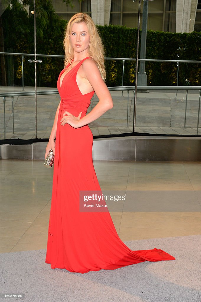 Ireland Baldwin attends 2013 CFDA Fashion Awards at Alice Tully Hall on June 3, 2013 in New York City.