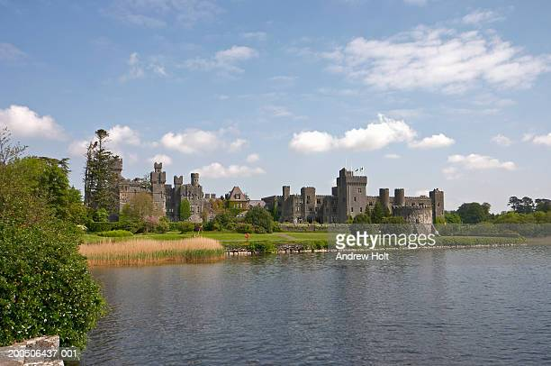 Ireland, Co.Mayo, Ashford Castle, view across lake
