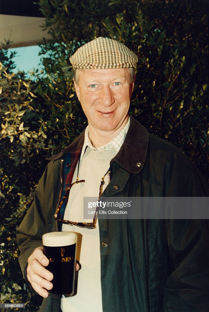 Ireland football manager and former footballer <a gi-track='captionPersonalityLinkClicked' href=/galleries/search?phrase=Jack+Charlton&family=editorial&specificpeople=453447 ng-click='$event.stopPropagation()'>Jack Charlton</a> with a pint of Guinness, 1994.