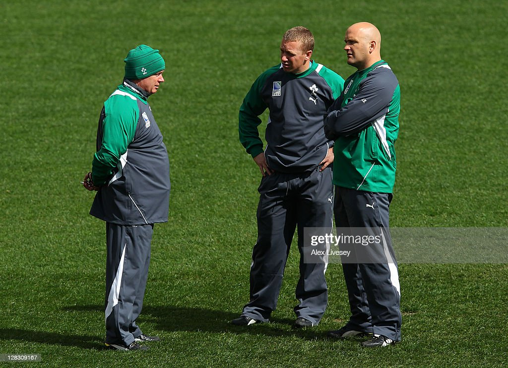 Ireland head coach Declan Kidney (L) speaks wiyth his support staff during an Ireland IRB Rugby World Cup 2011 captain's run at Wellington Regional Stadium on October 7, 2011 in Wellington, New Zealand.