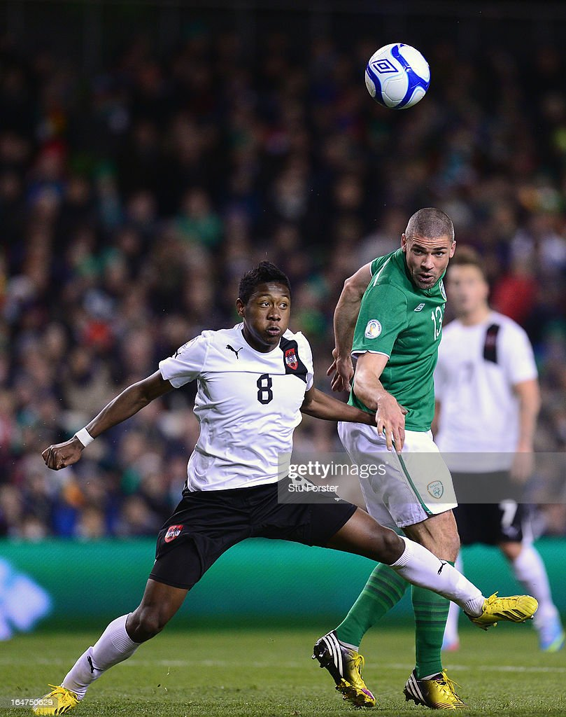 Ireland player <a gi-track='captionPersonalityLinkClicked' href=/galleries/search?phrase=Jonathan+Walters&family=editorial&specificpeople=3389578 ng-click='$event.stopPropagation()'>Jonathan Walters</a> (r) wins a header despite the challenge of <a gi-track='captionPersonalityLinkClicked' href=/galleries/search?phrase=David+Alaba&family=editorial&specificpeople=5494608 ng-click='$event.stopPropagation()'>David Alaba</a> of Austria during the FIFA 2014 World Cup Group C Qualifiying match between Republic of Ireland and Austria at Aviva Stadium on March 26, 2013 in Dublin, Ireland.