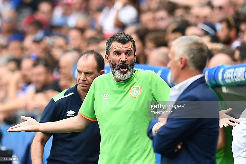 Ireland's assistant coach Roy Keane gestures during the Euro 2016 round of 16 football match between France and Republic of Ireland at the Parc Olympique Lyonnais stadium in Décines-Charpieu, near Lyon, on June 26, 2016. / AFP / FRANCK