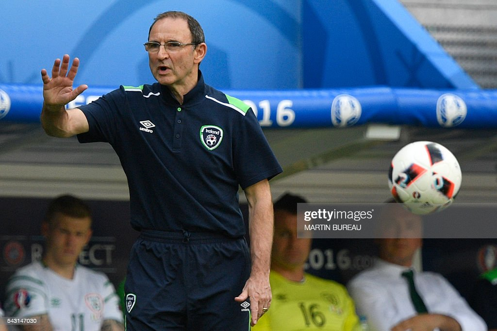 Ireland's coach Martin O'Neill gestures during the Euro 2016 round of 16 football match between France and Republic of Ireland at the Parc Olympique Lyonnais stadium in Decines-Charpieu, near Lyon, on June 26, 2016. / AFP / MARTIN