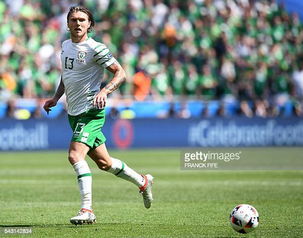 Ireland's midfielder Jeffrey Hendrick plays the ball during the Euro 2016 round of 16 football match between France and Republic of Ireland at the...