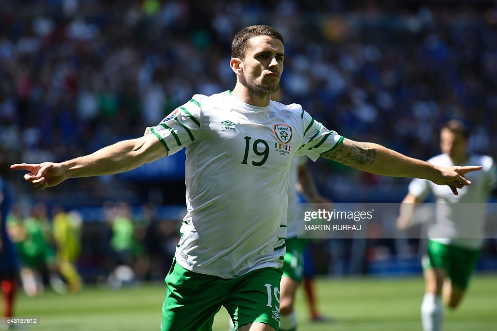 Ireland's midfielder Robert Brady celebrates after scoring during the Euro 2016 round of 16 football match between France and Republic of Ireland at the Parc Olympique Lyonnais stadium in Décines-Charpieu, near Lyon, on June 26, 2016. / AFP / MARTIN
