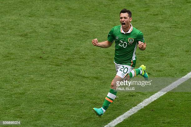 TOPSHOT Ireland's midfielder Wesley Hoolahan celebrates a goal during the Euro 2016 group E football match between Ireland and Sweden at the Stade de...