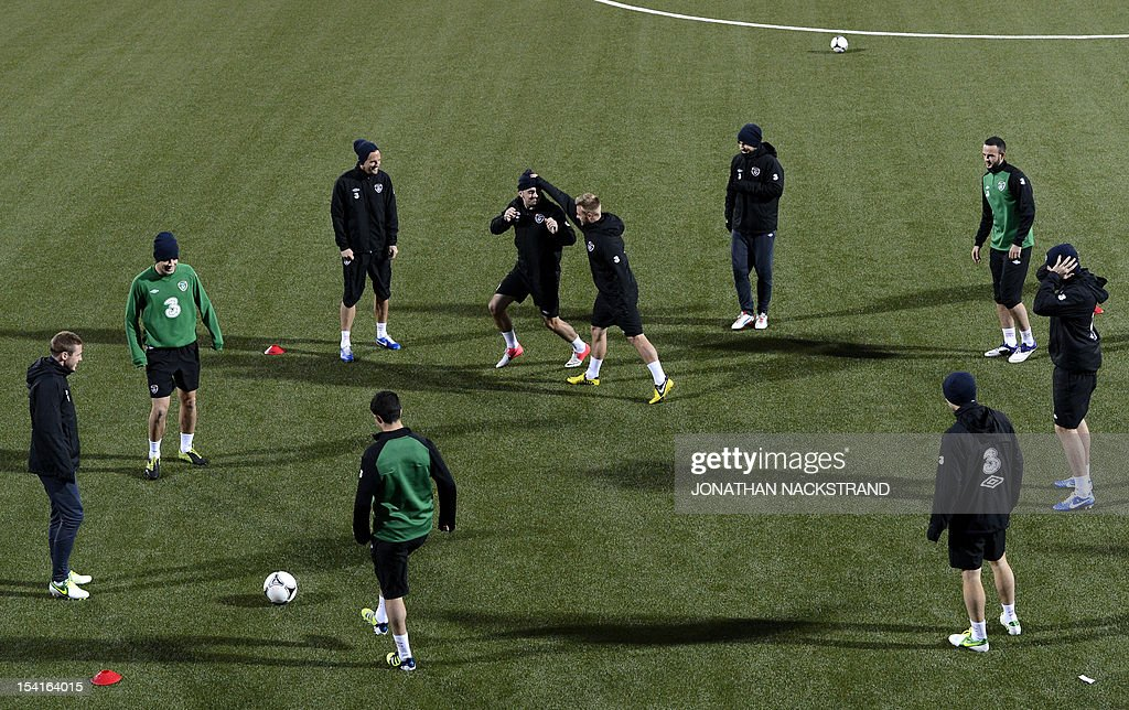 Ireland's national team football players take part in a training session on October 15, 2012, one day before the FIFA 2014 World Cup group C qualifying football match Faroe Islands vs Ireland at the Torsvollur stadium in Torshavn. AFP PHOTO / JONATHAN NACKSTRAND