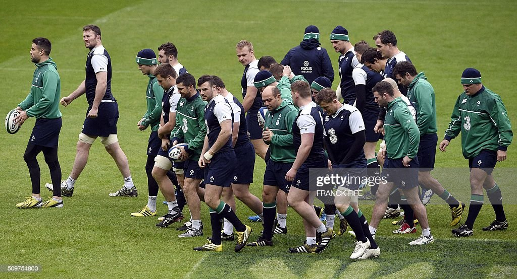 Ireland's players attend a training session on February 12, 2016 at the Stade de France stadium in Saint-Denis, north of Paris, on the eve of their Rugby Union 6 Nations match against France. / AFP / FRANCK FIFE