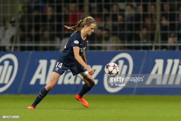 Iren Paredes of Paris Saint Germain controls the ball during the Champions League match between Bayern Munich and Paris Saint Germain at Municipal...
