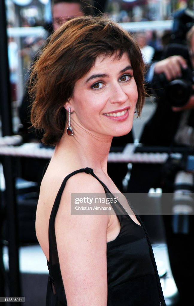 Irene Jacob during 2004 Cannes Film Festival - 'Edukators' - Photocall at Palais Du Festival in Cannes, France.