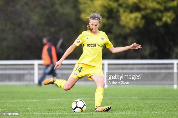 Irene Paredes of PSG during the women's Division 1 match between Fleury and Paris Saint Germain on October 29 2017 in Fleury France
