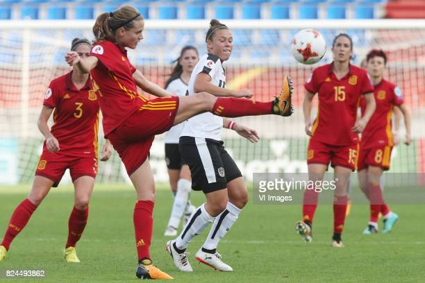 Irene Paredes of Spain Nicole Billa of Austria women during the UEFA WEURO 2017 quarter finale match between Austria and Spain at Koning Willem II...
