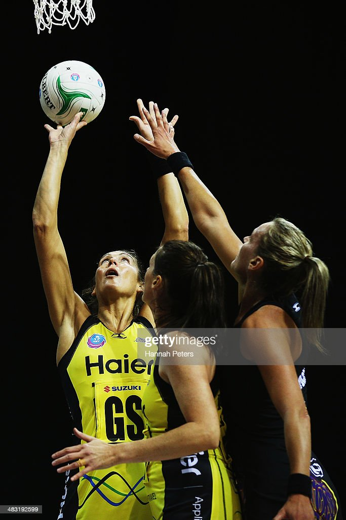 <a gi-track='captionPersonalityLinkClicked' href=/galleries/search?phrase=Irene+van+Dyk&family=editorial&specificpeople=597563 ng-click='$event.stopPropagation()'>Irene van Dyk</a> of the Pulse shoots during the ANZ Championship match between the Magic and the Pulse on April 7, 2014 in Auckland, New Zealand.