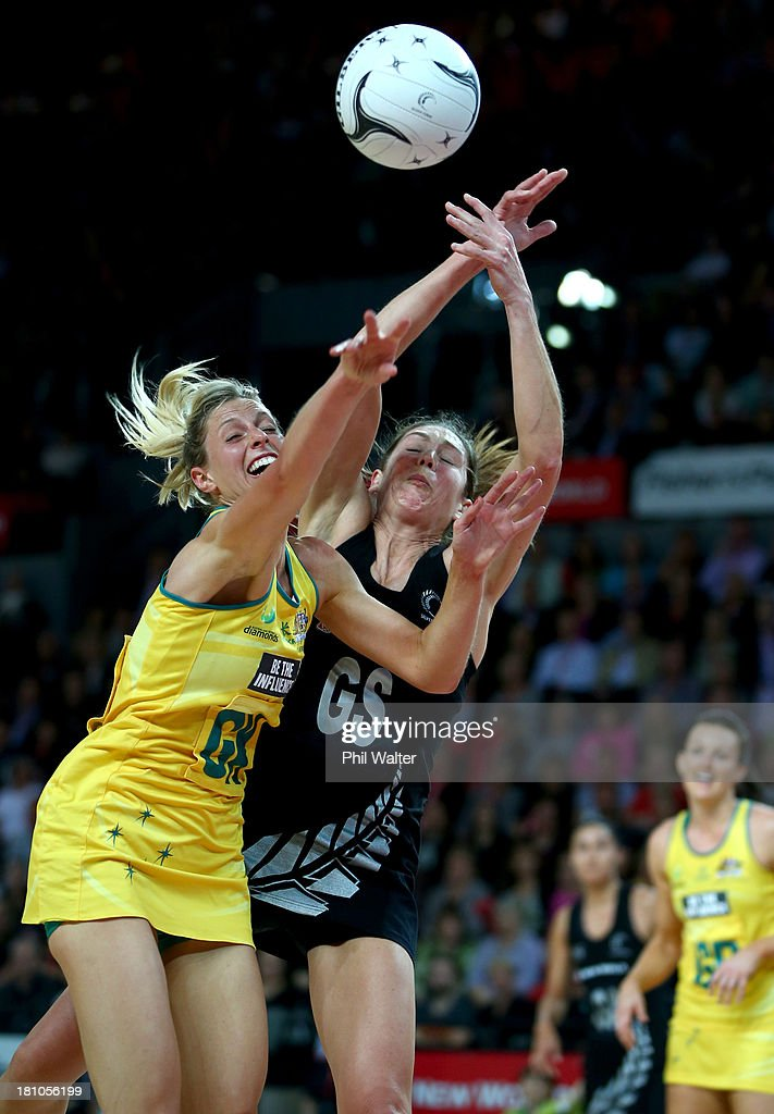 <a gi-track='captionPersonalityLinkClicked' href=/galleries/search?phrase=Irene+van+Dyk&family=editorial&specificpeople=597563 ng-click='$event.stopPropagation()'>Irene van Dyk</a> of the Silver Ferns and Laura Geitz of the Diamonds compete for the ball during game two of the Constellation Series between the New Zealand Silver Ferns and the Australian Diamonds at the Vector Arena on September 19, 2013 in Auckland, New Zealand.