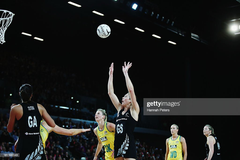 <a gi-track='captionPersonalityLinkClicked' href=/galleries/search?phrase=Irene+van+Dyk&family=editorial&specificpeople=597563 ng-click='$event.stopPropagation()'>Irene van Dyk</a> of the Silver Ferns shoots during game two of the Constellation Series between the New Zealand Silver Ferns and the Australian Diamonds at Vector Arena on September 19, 2013 in Auckland, New Zealand.