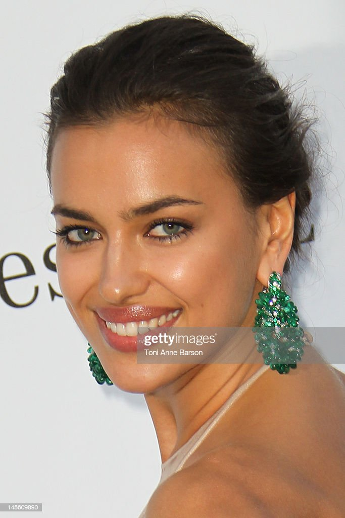 Irina Shayk arrives at amfAR's Cinema Against AIDS at Hotel Du Cap on May 24, 2012 in Antibes, France.
