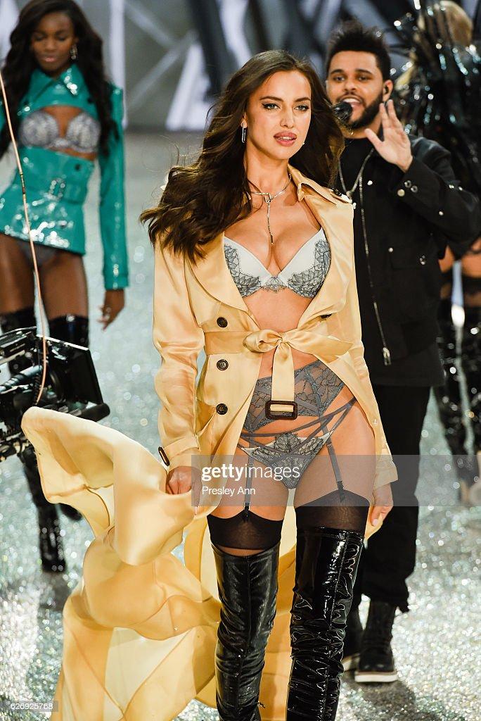 irina-shayk-walks-the-runway-2016-victorias-secret-fashion-show-in-picture-id626925768