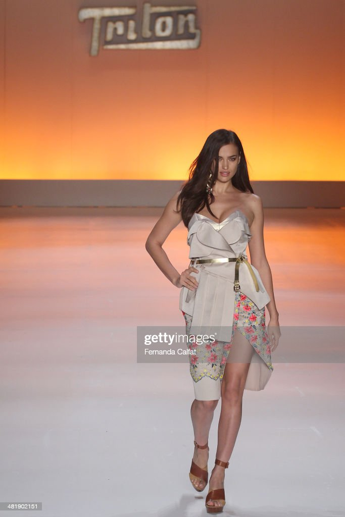 Irina Shayk walks the runway at Triton show during Sao Paulo Fashion Week Summer 2014/2015 at Parque Candido Portinari on April 1, 2014 in Sao Paulo, Brazil.