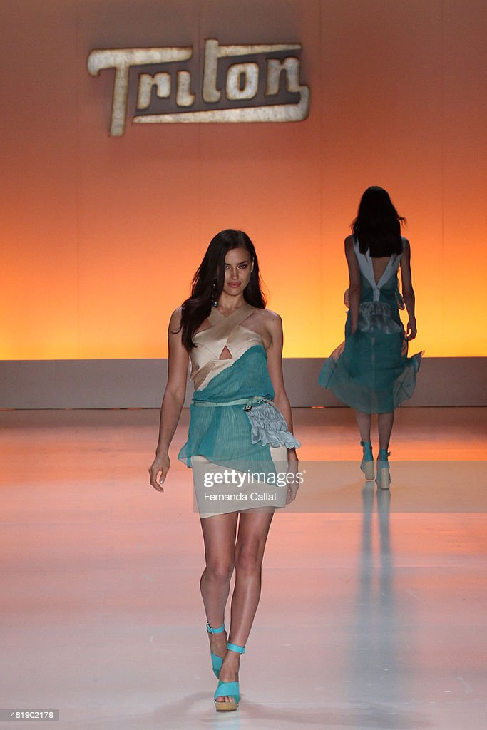 Irina Shayk walks the runway at Triton show during Sao Paulo Fashion Week Summer 2014/2015 at Parque Candido Portinari on April 1 2014 in Sao Paulo...