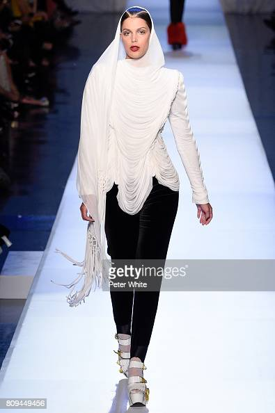 Iris Mittenaere - MISS UNIVERSE 2016 - Official Thread  - Page 3 Iris-mittenaere-walks-the-runway-during-the-jean-paul-gaultier-haute-picture-id809449456?s=594x594