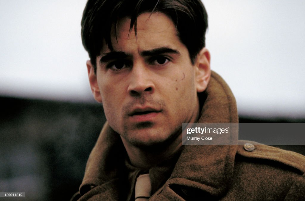 Irish actor <a gi-track='captionPersonalityLinkClicked' href=/galleries/search?phrase=Colin+Farrell&family=editorial&specificpeople=202154 ng-click='$event.stopPropagation()'>Colin Farrell</a> as Lieutenant Thomas Hart in a scene from the film 'Hart's War', 2002.